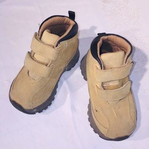 Toddler's boots size 6 CHEROKEE